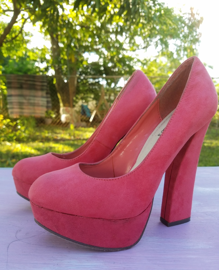 Coral colored platform pumps iwannabealady