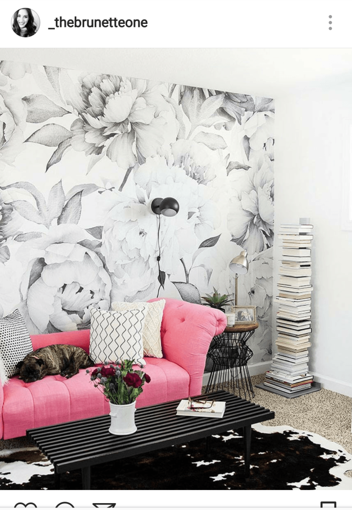 iwannabealady.com floral wallpaper is making a comeback in a big way, and there's something for everyone.