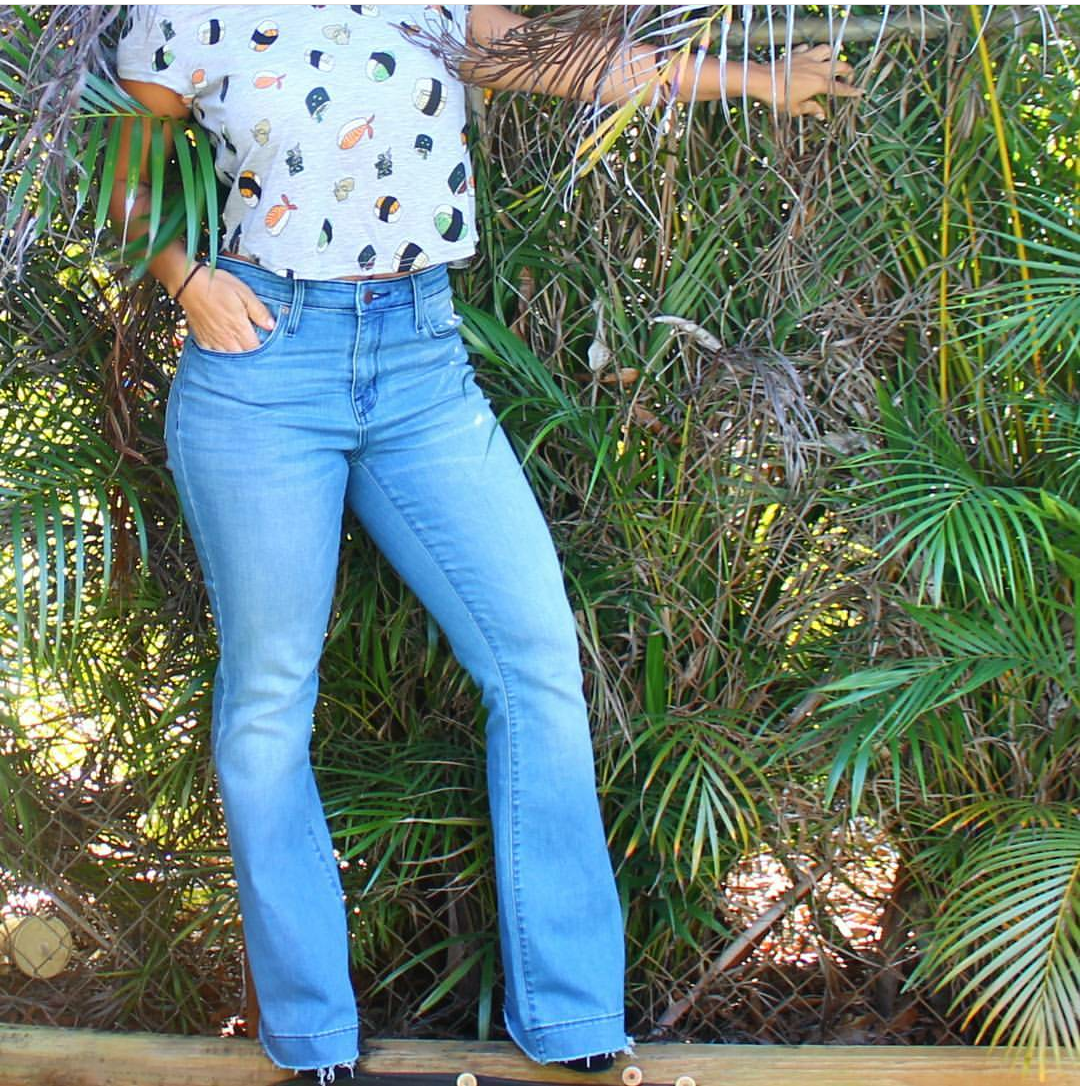 iwannabealady.com outfit post 90s high rise jeans mossimo south florida lifestyle blogger