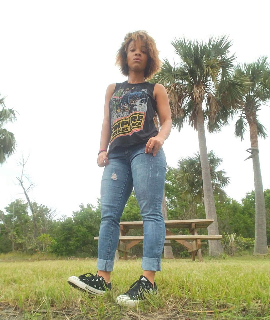 iwannabealady.com distressed jeans and star wars tee shirt converse south florida lifestyle blogger fashion outfit post