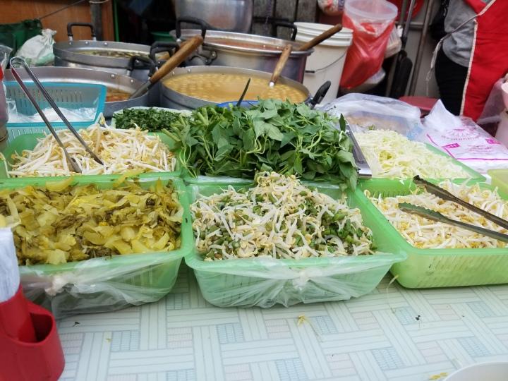 thai soup extras iwannabealady.com Thailand