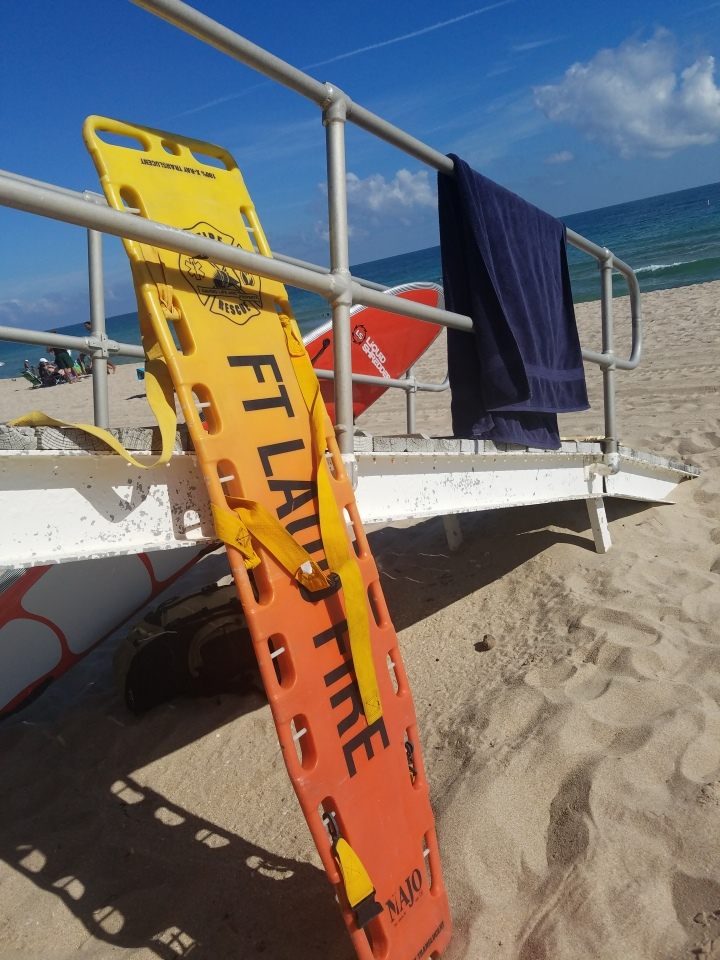 iwannabealady.com welcome to Fort Lauderdale Beach Florida lifeguard stand