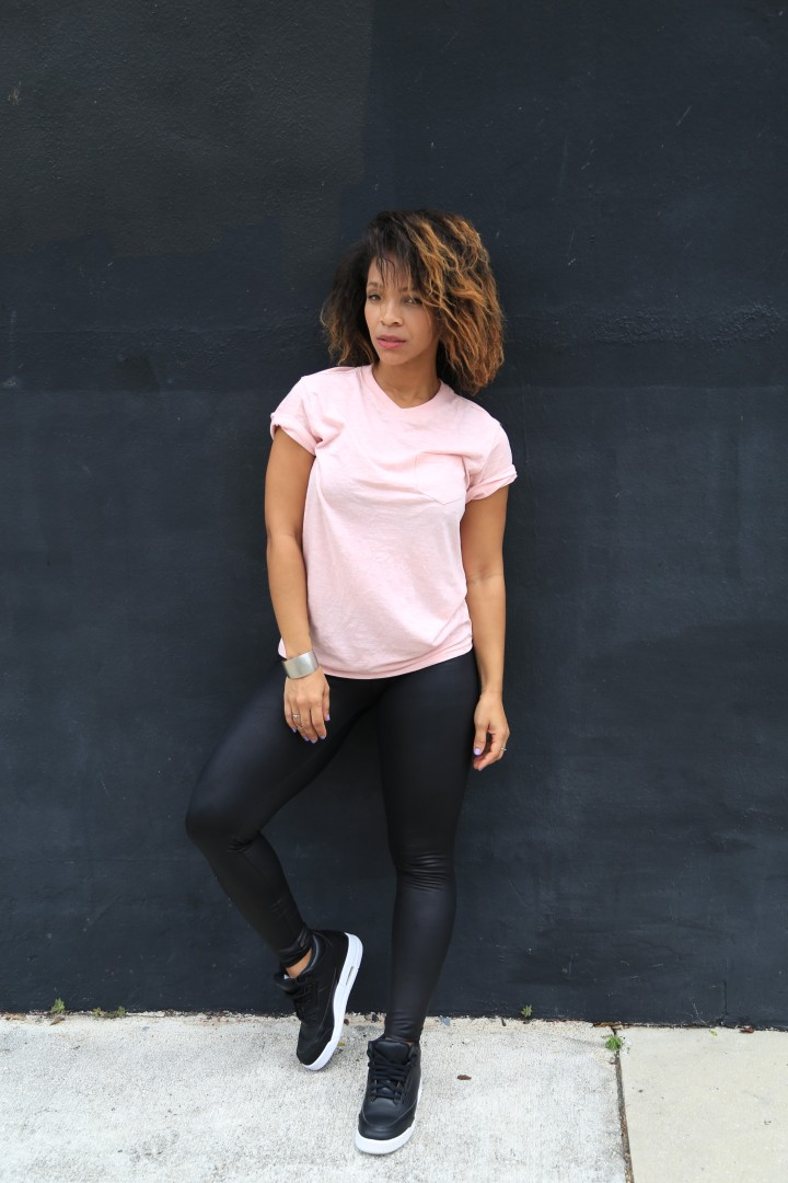 How to Style a plain white tee iwannabealady.com